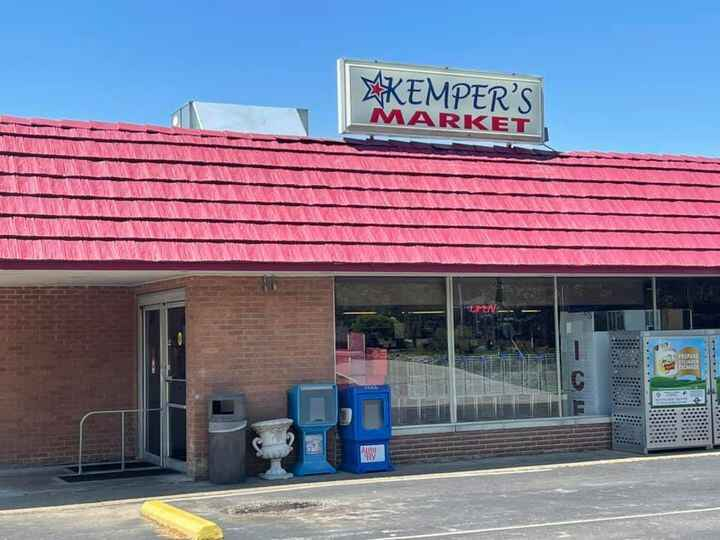 Hey Warrick County fans! We have added Kemper's Market in Chandler as a location selling our sauces. Stop by and grab a ...